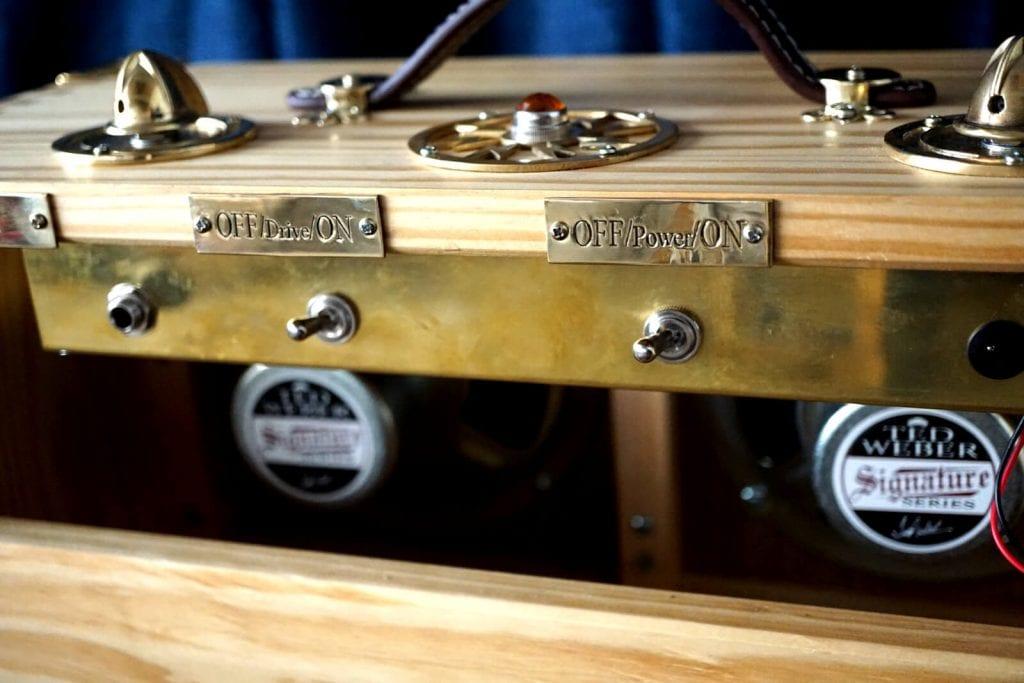 electric guitar deacy amp