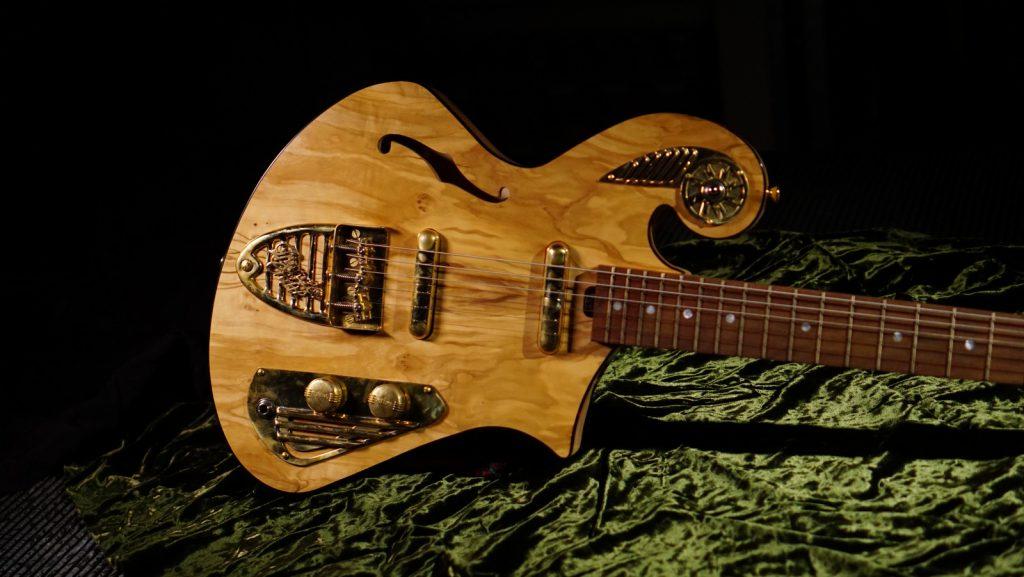 Anciet Olive Boutique Thunder Child Guitar
